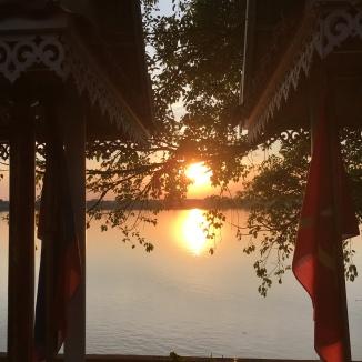 First Sunset in the <3 Mekong <3 - Thankek
